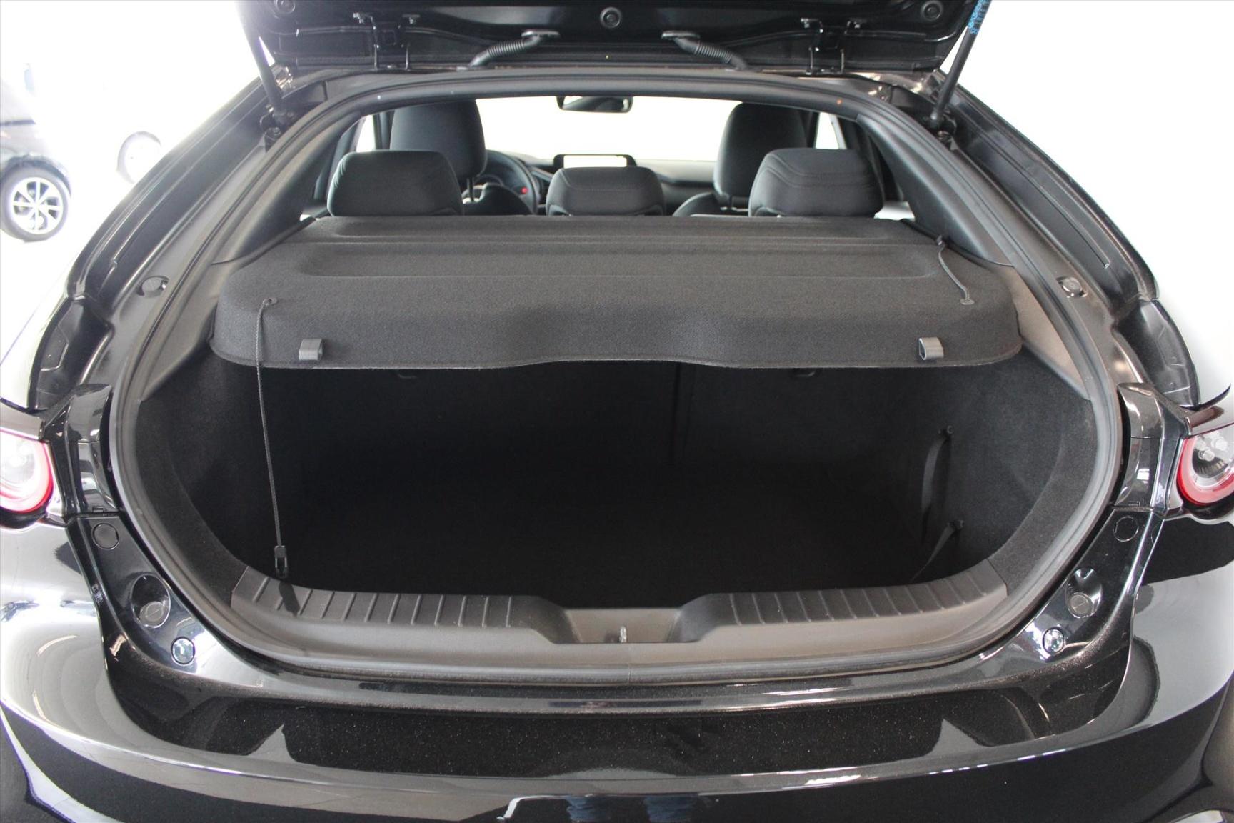 Mazda-3-7