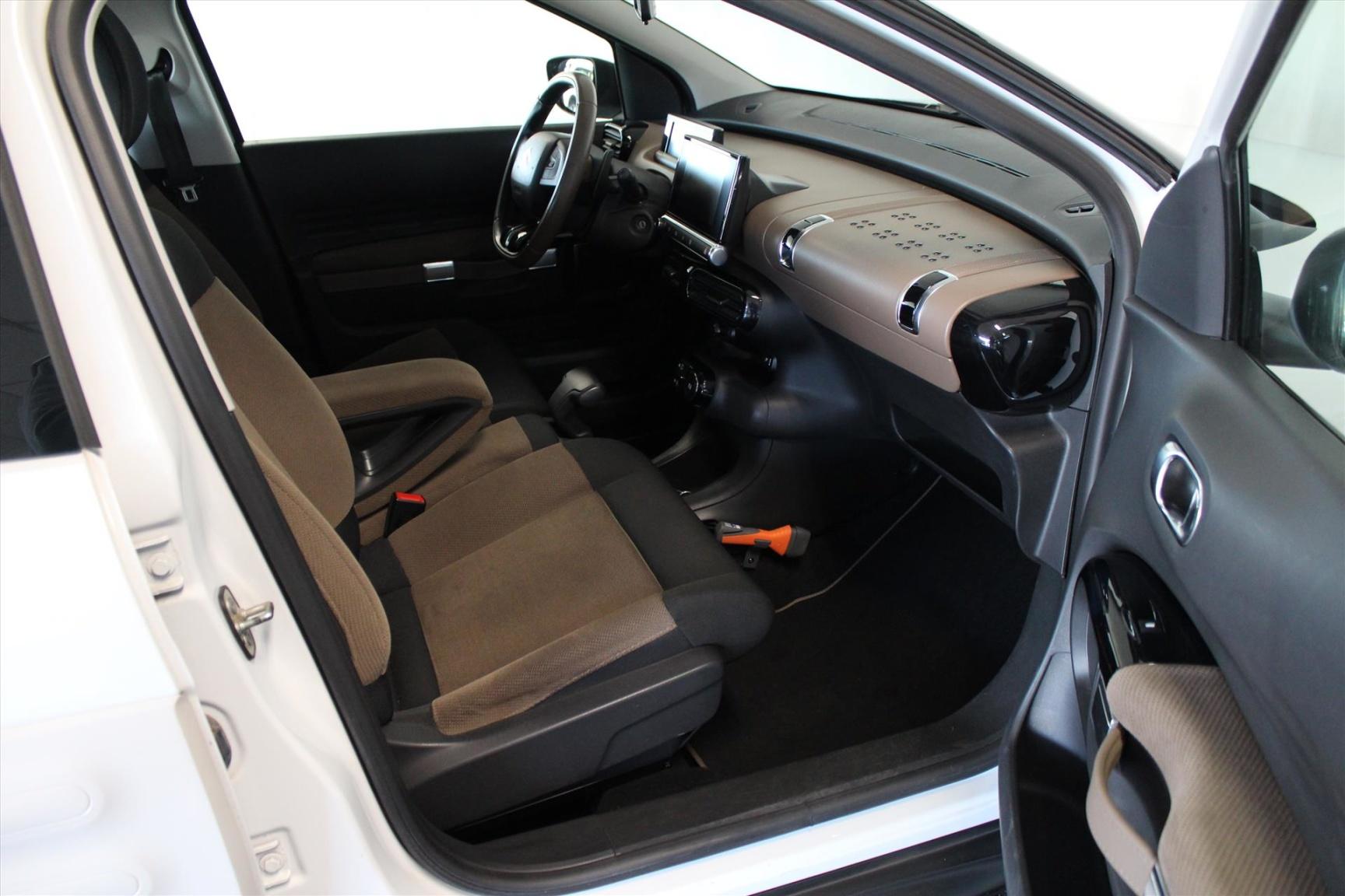 Citroën-C4 Cactus-19