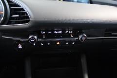 Mazda-3-19